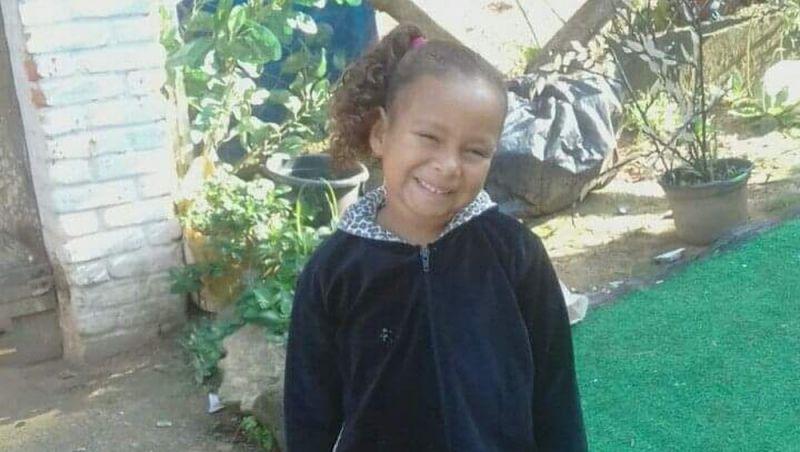 Menina de seis anos que sumiu enquanto dormia é achada morta em SP
