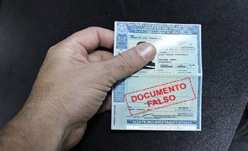 Nove anos após comprar carteira falsa homem é preso em blitz em Padre Carvalho, MG
