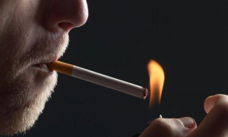 Homens fumantes têm maior risco de demência, diz estudo