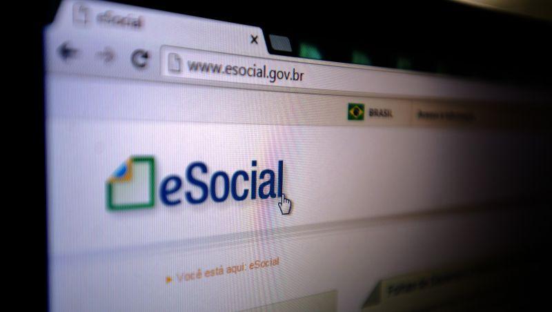 Migração de empregadores para eSocial só terminará em 2023