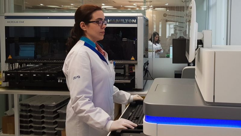 Projeto liderado por brasileira mapeará genoma de 15 mil brasileiros