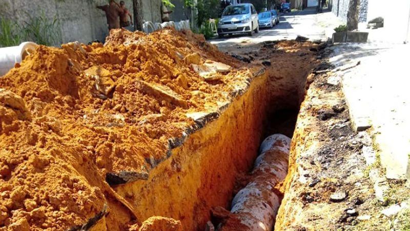 Secretaria de Obras de Juiz de Fora substitui rede de drenagem no Vale do Ipê