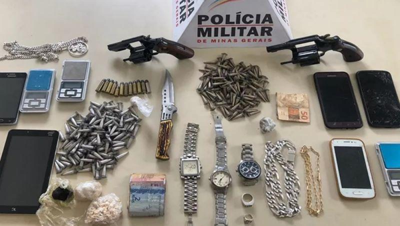 Grupo é detido com armas, drogas e munições em operação em São João Nepomuceno