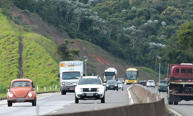 Fluxo nas estradas deve crescer 40% no feriado de Aparecida