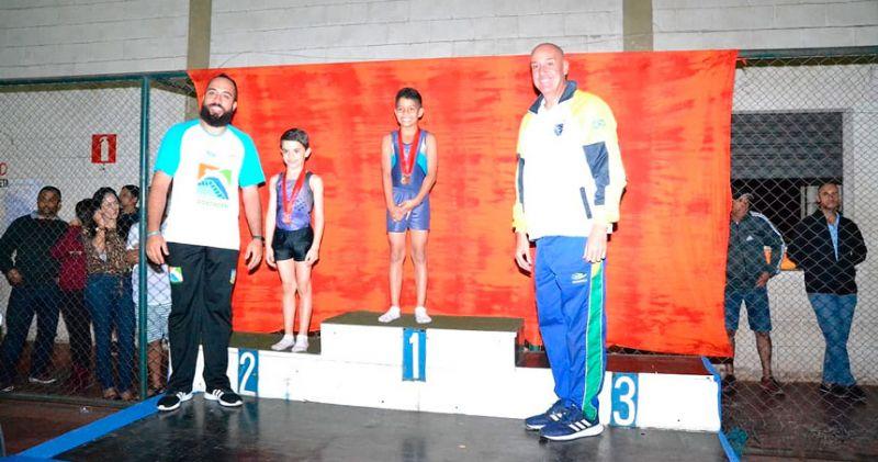 Aluno da rede municipal de JF conquista títulos no Campeonato Escolar de Ginástica de Trampolim