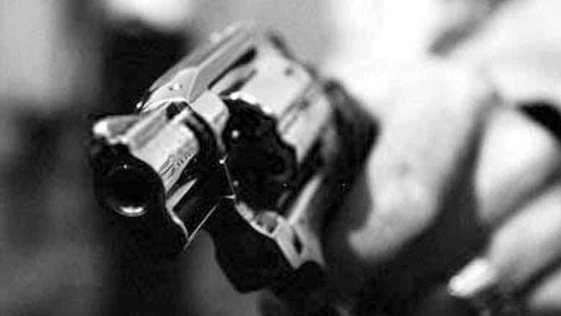 Ladrão armado assalta posto de combustíveis em Juiz de Fora