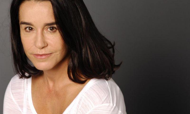 Lucélia Santos diz que nunca recebeu pelos direitos de transmissão da novela A Escrava Isaura e cobra dívida