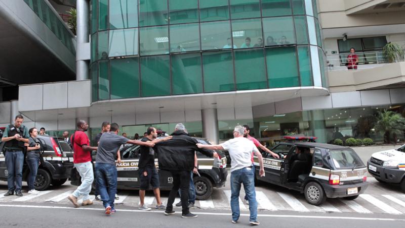 STJ manda soltar quatro policiais de SP envolvidos em tiroteio em Juiz de Fora