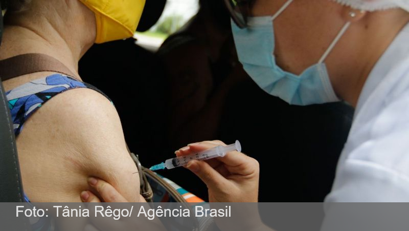 Covid-19: governo compra 100 milhões de doses da vacina da Pfizer