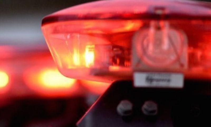 Mulher tem carro roubado enquanto manobrava no Alto dos Passos