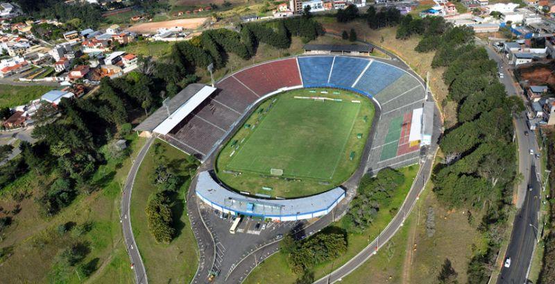 Tupi e Democrata se enfrentam sábado no Estádio Municipal de Juiz de Fora