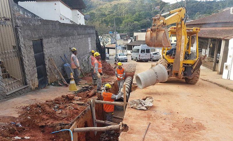 Rede de drenagem está em construção no Bairro de Lourdes em Juiz de Fora