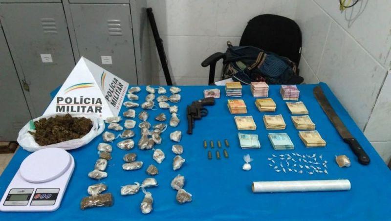 Grupo é detido com drogas, arma de fogo e mais de R$ 11 mil em dinheiro em Juiz de Fora