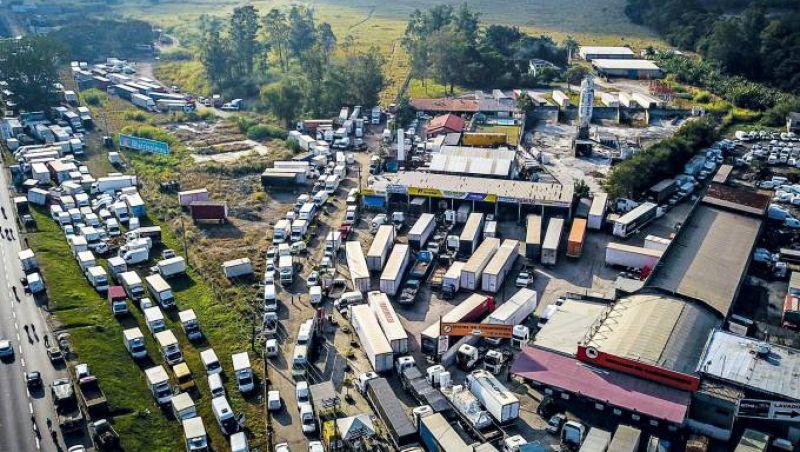 Medidas repercutem mal e caminhoneiros já marcam nova greve