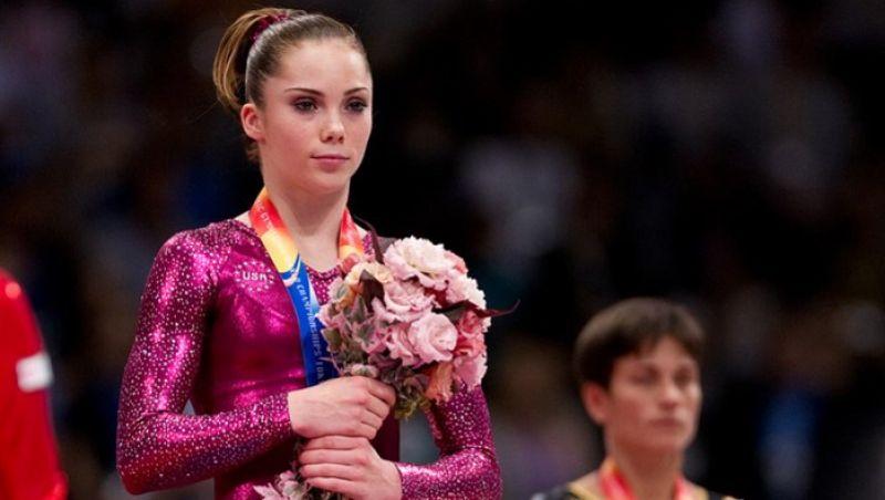 Campeã olímpica afirma que recebeu dinheiro em troca de silêncio sobre assédio