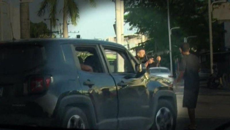 Enterro de mototaxista tem confusão, e PM é preso após dar tiros de fuzil durante protesto