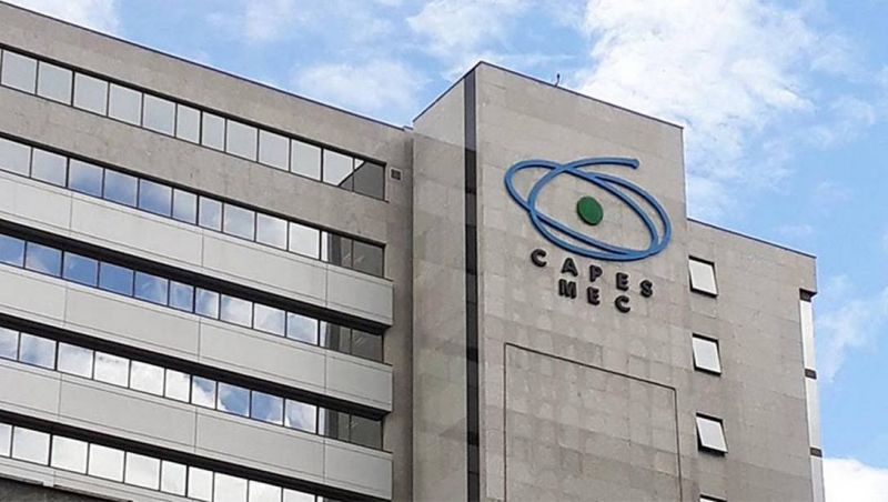 Capes abre 3.920 vagas para o programa Ciência é 10