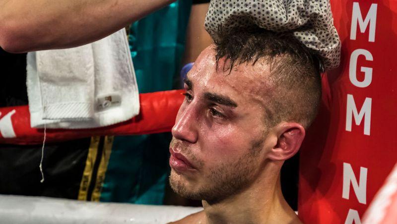 Boxeador russo Maxim Dadashev morre quatro dias após nocaute técnico nos Estados Unidos