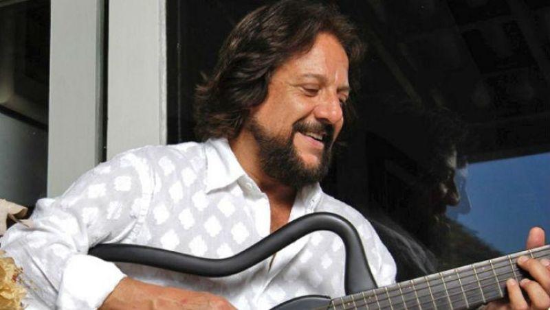 Cantor e compositor Tunai morre no Rio