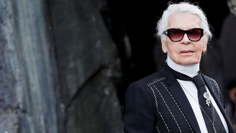 Karl Lagerfeld morre aos 85 anos