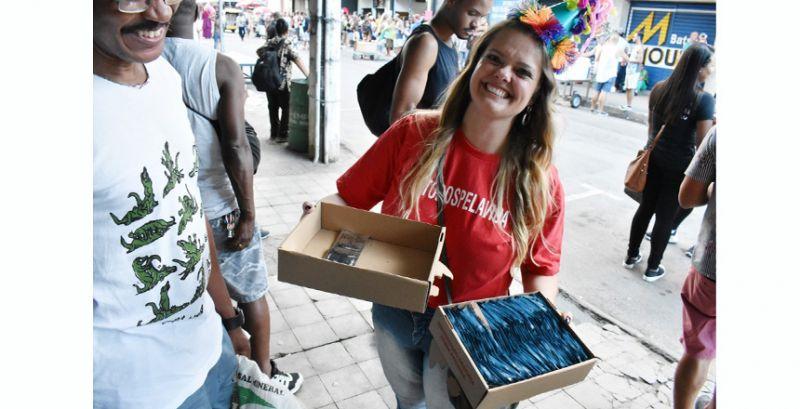 DST/Aids promove ação de conscientização no carnaval de JF