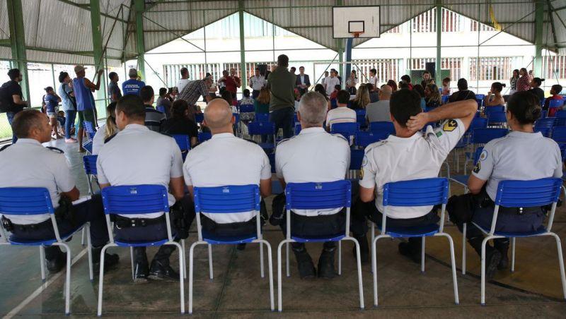 Policiais militares e professores compartilharão gestão das escolas
