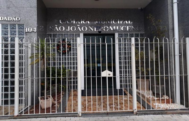 Câmara de São João Nepomuceno esclarece gastos de R$146 mil em aquisição de veículo e contratação de buffet