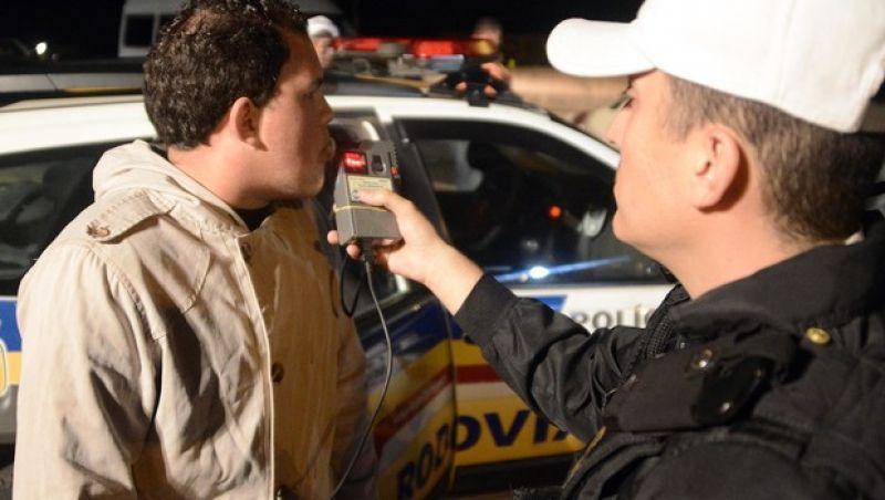 Operação Lei Seca flagra 25 motoristas alcoolizados em Minas Gerais