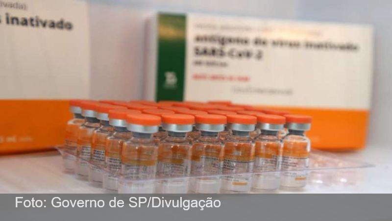 Primeiro mineiro imunizado receberá vacina ainda nesta segunda, em Confins