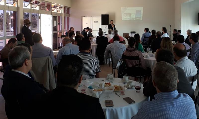 """Aeroporto da Serrinha é tema de reunião do """"Fórum de Desenvolvimento Econômico"""""""