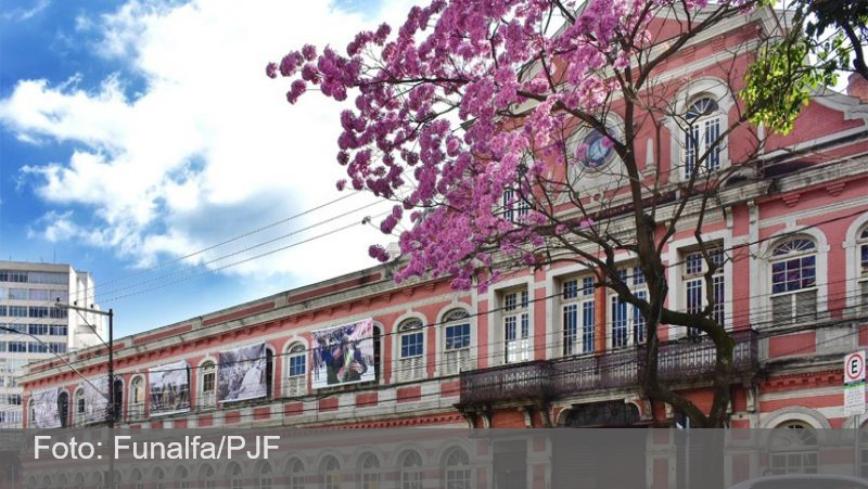Desembargador dá razão à PJF e exposição 'Democracia em disputa' será mantida no CCBM