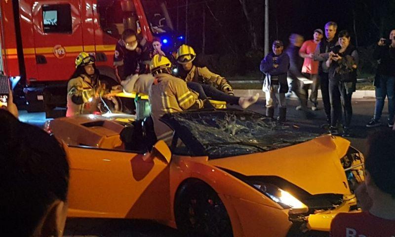 Turista se envolve em acidente com carro de luxo alugado em Gramado; veja o vídeo