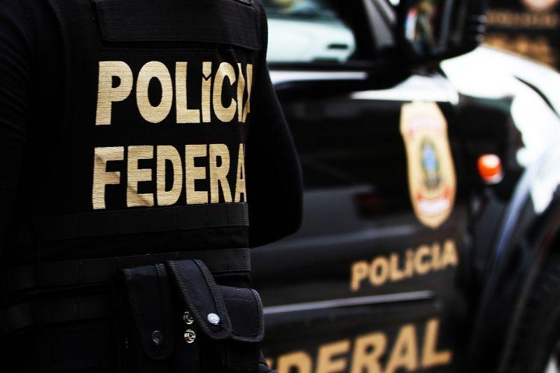 PF prende uma pessoa em operação contra pornografia infantil em SP