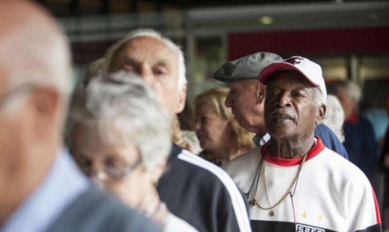 Recadastramento de aposentados está suspenso até 30 de novembro