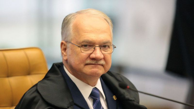 Fachin manda ao plenário pedido da PGR de suspensão das fake news