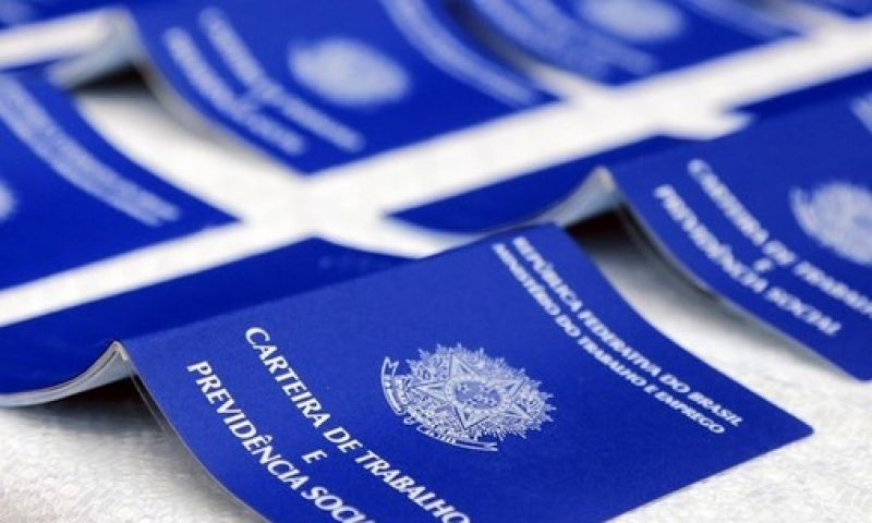 Governo diz que nova lei trabalhista é aplicável a todos contratos da CLT