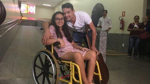 Aluna que ficou paraplégica após ser baleada diz que não era alvo