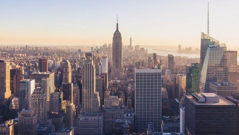 Covid-19: Número de mortes na cidade de Nova York supera o do 11 de setembro
