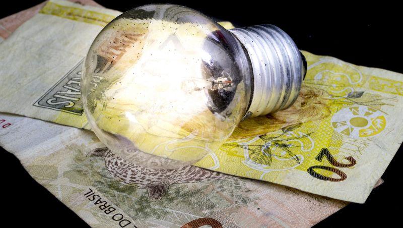 Aneel aprova reajuste de energia para estados de Minas, Rio e Paraná