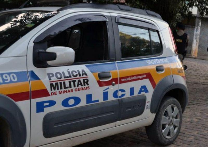 Polícia Militar prende em Leopoldina dupla que pedia caixinha de Natal em nome dos Correios