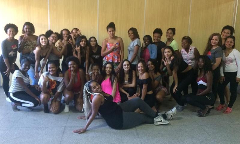 50 jovens participam, nesta sexta em JF, do baile da 2ª edição da Festa de Debutantes da Casa de Cultura Evailton Vilela