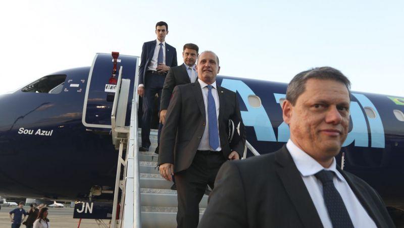 Maior avião comercial da Embraer começa a voar de Campinas a Brasília