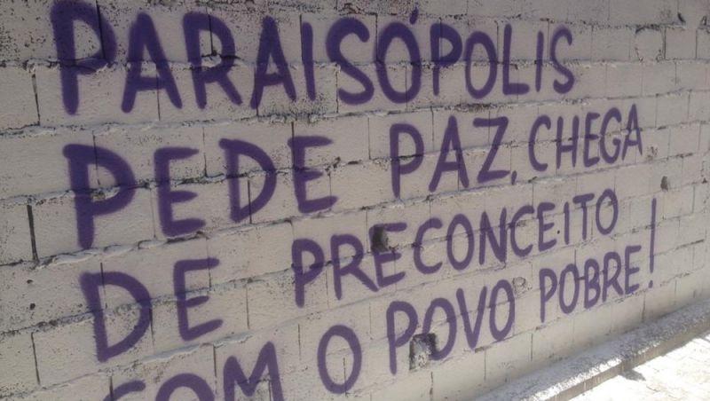 Após uma semana, Paraisópolis tem baile esvaziado, presença de religiosos e grafites contra violência