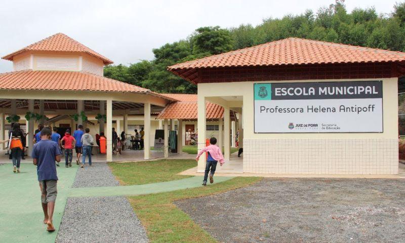 Escolas municipais de Juiz de Fora retomam atividades nesta quarta-feira