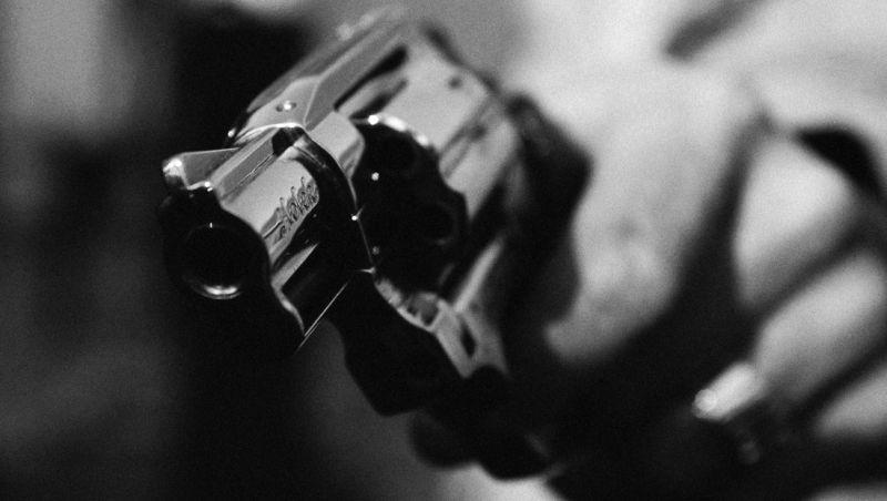 Dupla rouba moto de mulher após fazer disparos em churrasco no Bairro Bairu em JF