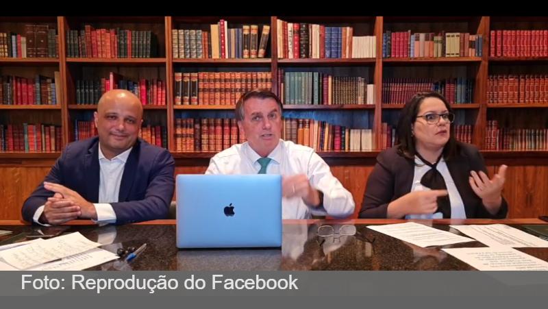 Bolsonaro diz que contaminação é mais eficaz que vacina contra Covid; especialistas contestam