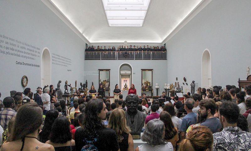 """Mais de 200 pessoas prestigiam apresentação de ópera no Museu """"Mariano Procópio"""""""