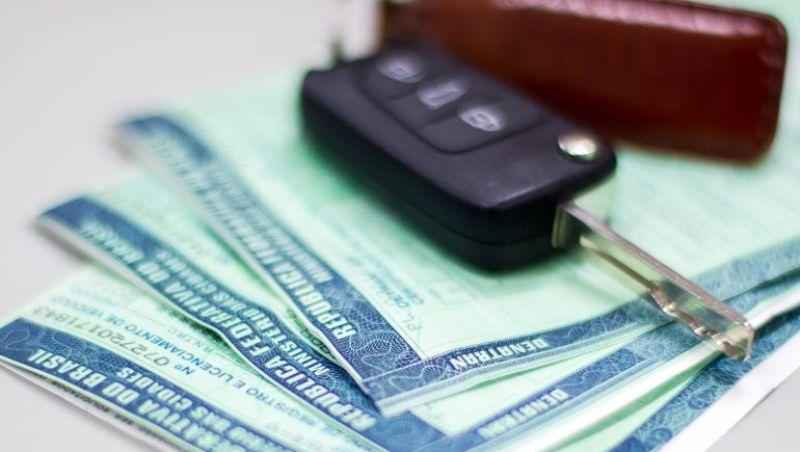 Fim do prazo: Licenciamento 2018 passa a ser exigido para todos os motoristas em Minas Gerais