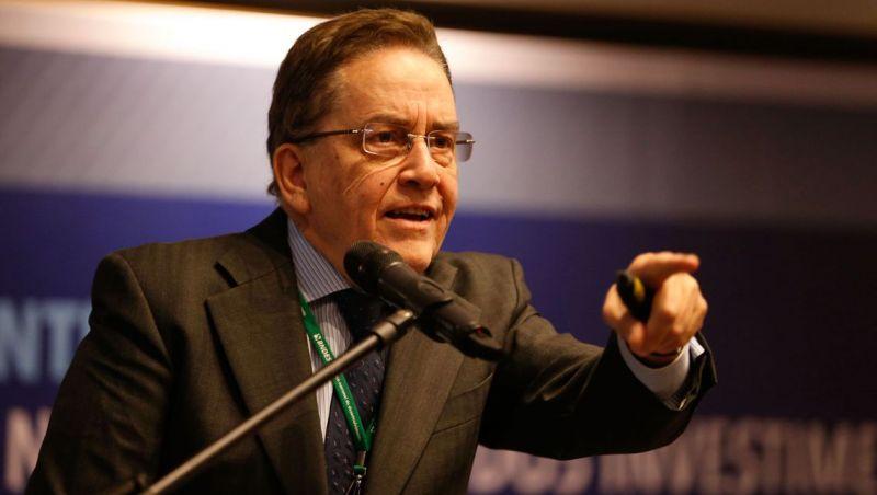 PSC lança ex-presidente do BNDES à Presidência da República