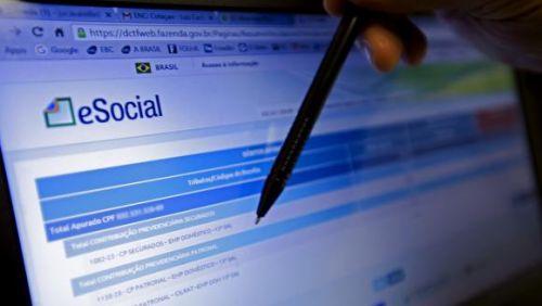 Implantação do eSocial para empresas começa em janeiro de 2018